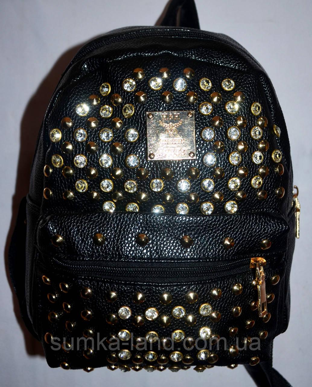 Женский молодежный рюкзак из кожзама с шипами черный 20*24 см
