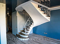 Бетонная лестница гладкоподшитая для дома