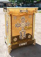 Жертвенник на литых ножках с крестом без дверцы