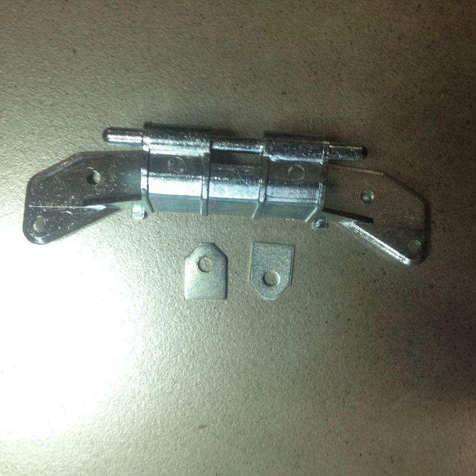 Завес (петля) люка Bosch 153150 (не оригинал) для стиральной машины