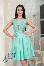 """Легкое нарядное платье до колен гипюровый верх без рукавов """"Джулия"""" темно-синее, фото 2"""