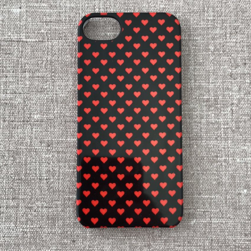 Чехол incase Snap Multi Hearts iPhone 5s/SE black (CL69185) EAN/UPC: 650450129709
