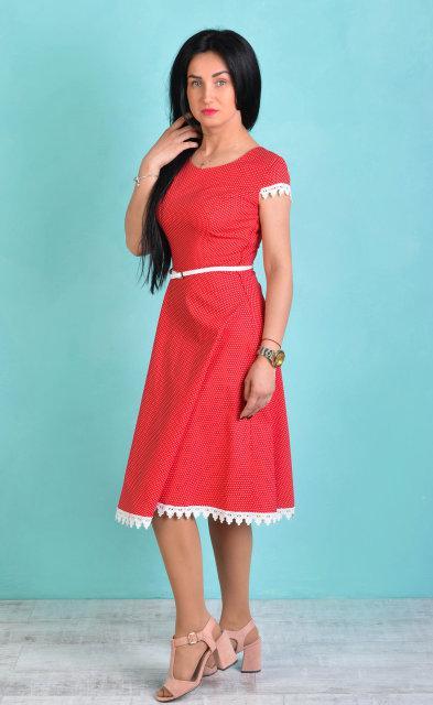 Женское платье с кружевом (50 размер)