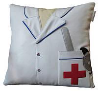 Сувенирная подушка подарок МЕДИК для врача