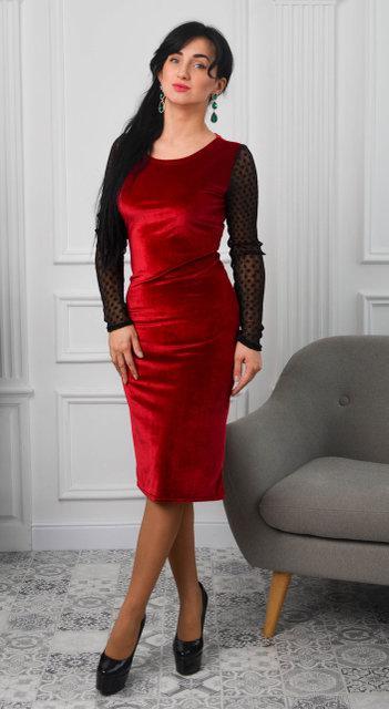 Молодежное платье по фигуре. Размер 42,44,46.