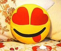 Декоративная подушка-смайлик Emoji #9 Влюбленный озорник