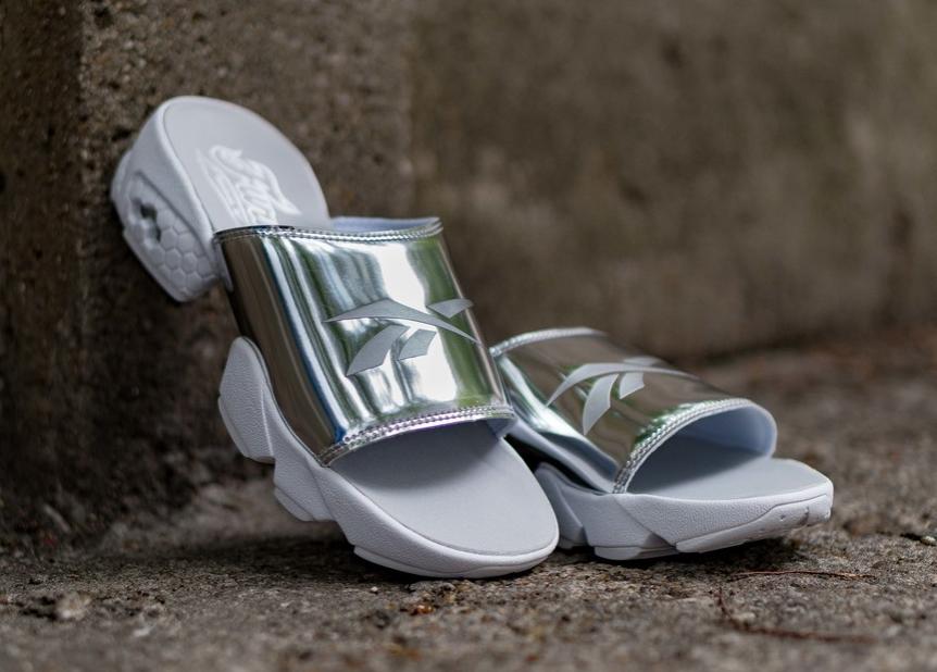 Женские шлепанцы  37 размер  бренд  Reebok Модель Fury Slide Magic Hour