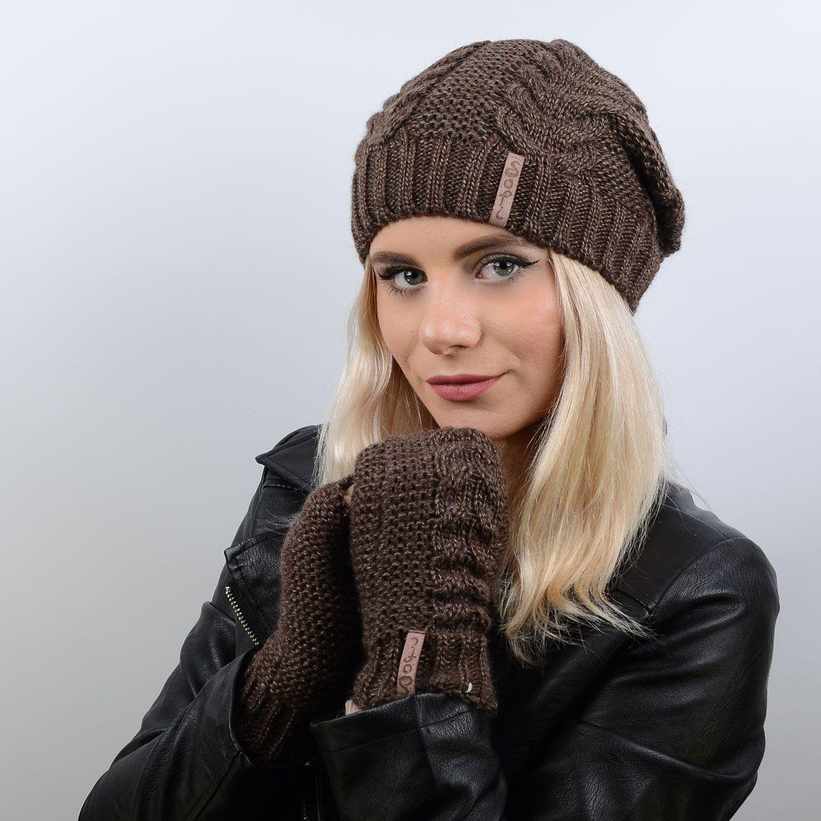 14e4ba3ca759 Яркий вязаный женский комплект, состоящий из шапки и перчаток-митенок  Vivian 17013 ...