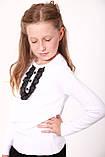 Білий класичний светр з чорною гипюровою вставкою для дівчинки 128-152р, фото 3