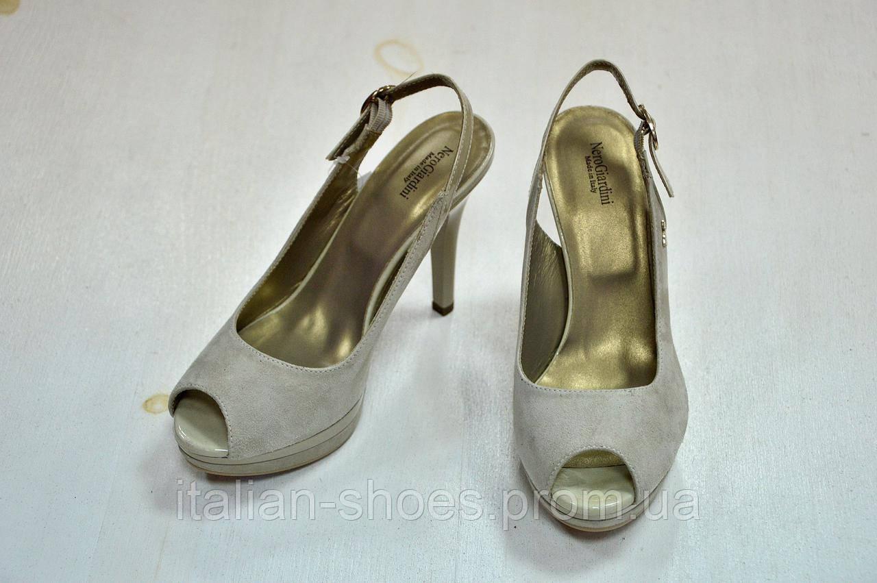 Серые босоножки на каблуке Nero Giardini к.-520
