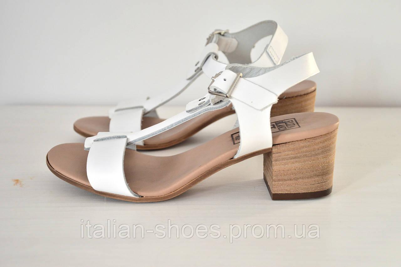 Белые босоножки на небольшом каблуке Eliza Blanco к.-578