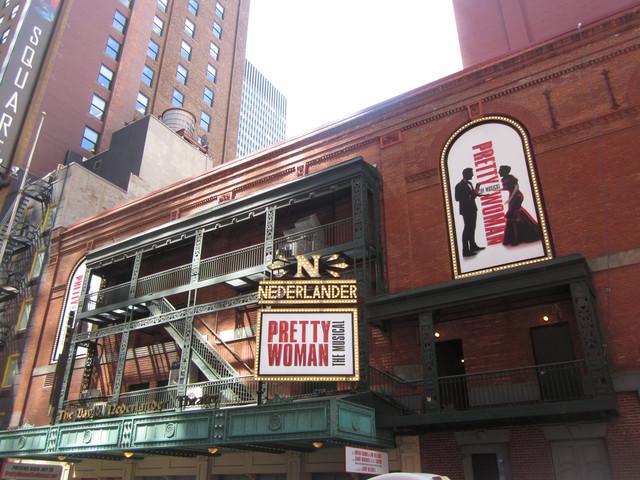 Раздел Платья - фото teens.ua - Нью-Йорк,Таймс сквер,театр Nederlander,мюзикл Pretty woman