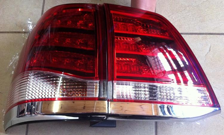 Задние фонари (стопы) Toyota Land Cruiser 200 стиль Lexus (красно-белые)