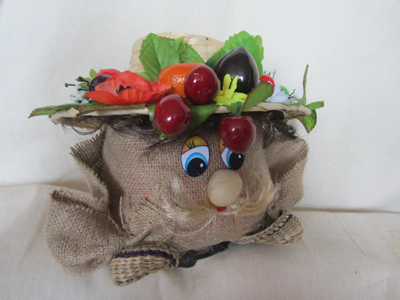 Домовой с фруктами на шляпе, 180/220 (цена за 1 шт. + 40 гр.)