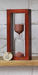 Часы песочные  на деревянной подставке 4-28  15 мин