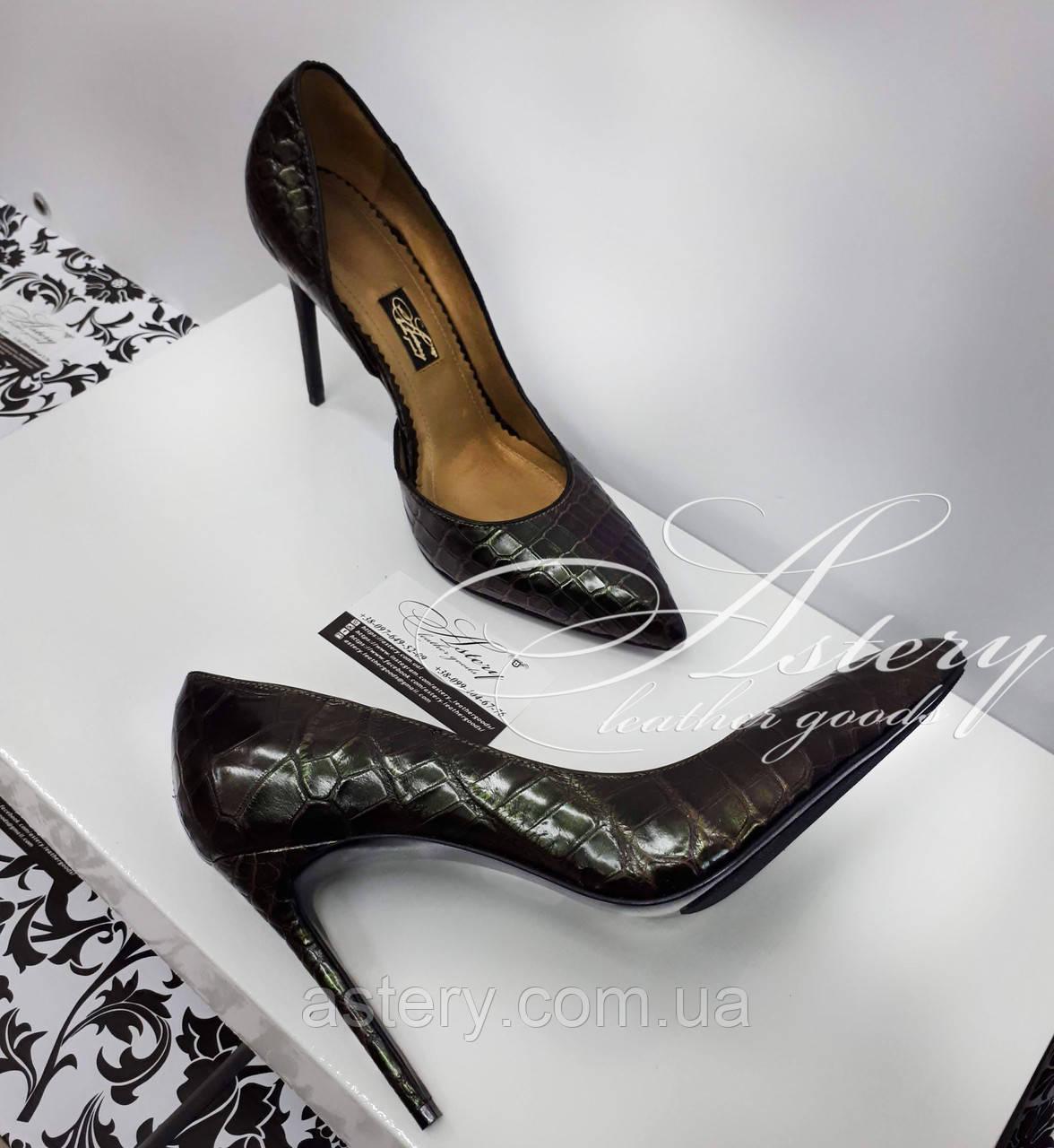 Жіночі темно-зелені туфлі з крокодила на шпильці