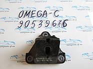 Кронштейн двигателя Opel Omega B 2.0D 90539676