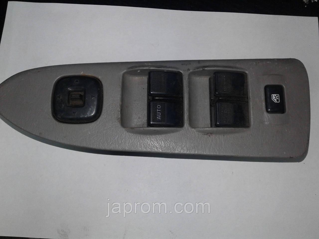 Блок кнопок стеклоподъемников и регулировки зеркал(на 4дв) Mazda Premacy 1998-2005г.в.