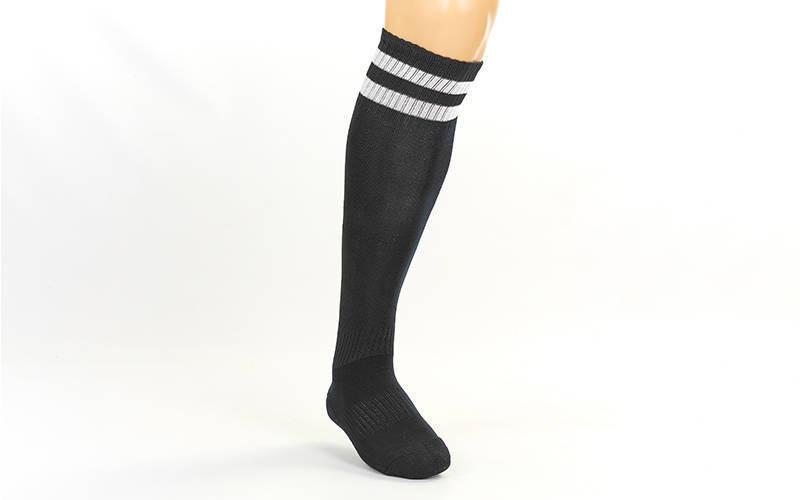 Гетры футбольные взрослые черные с белой полосой CO-3256-BK