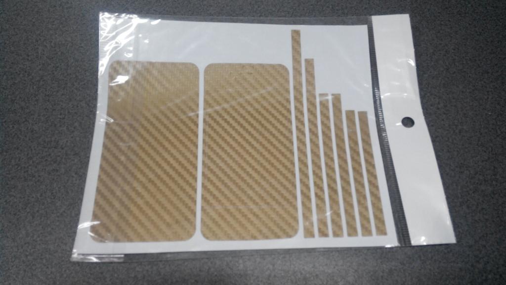 Пленка скин карбон Carbon золотая на iPhone 4/4S