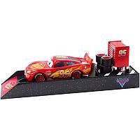 Молния Макквин с пусковой установкой Cars Mattel FLH75