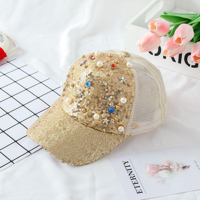 Модная бейсболка для девочки с пайетками и камнями золотая