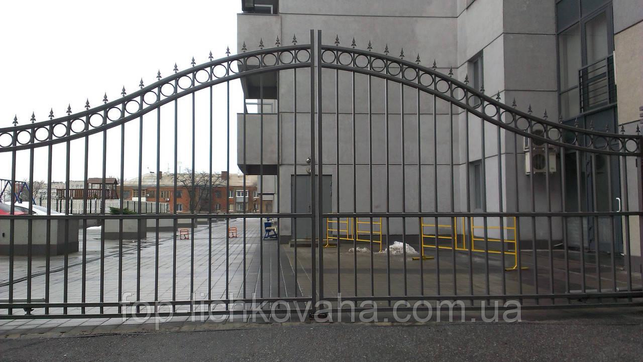 Распашные ворота металлические