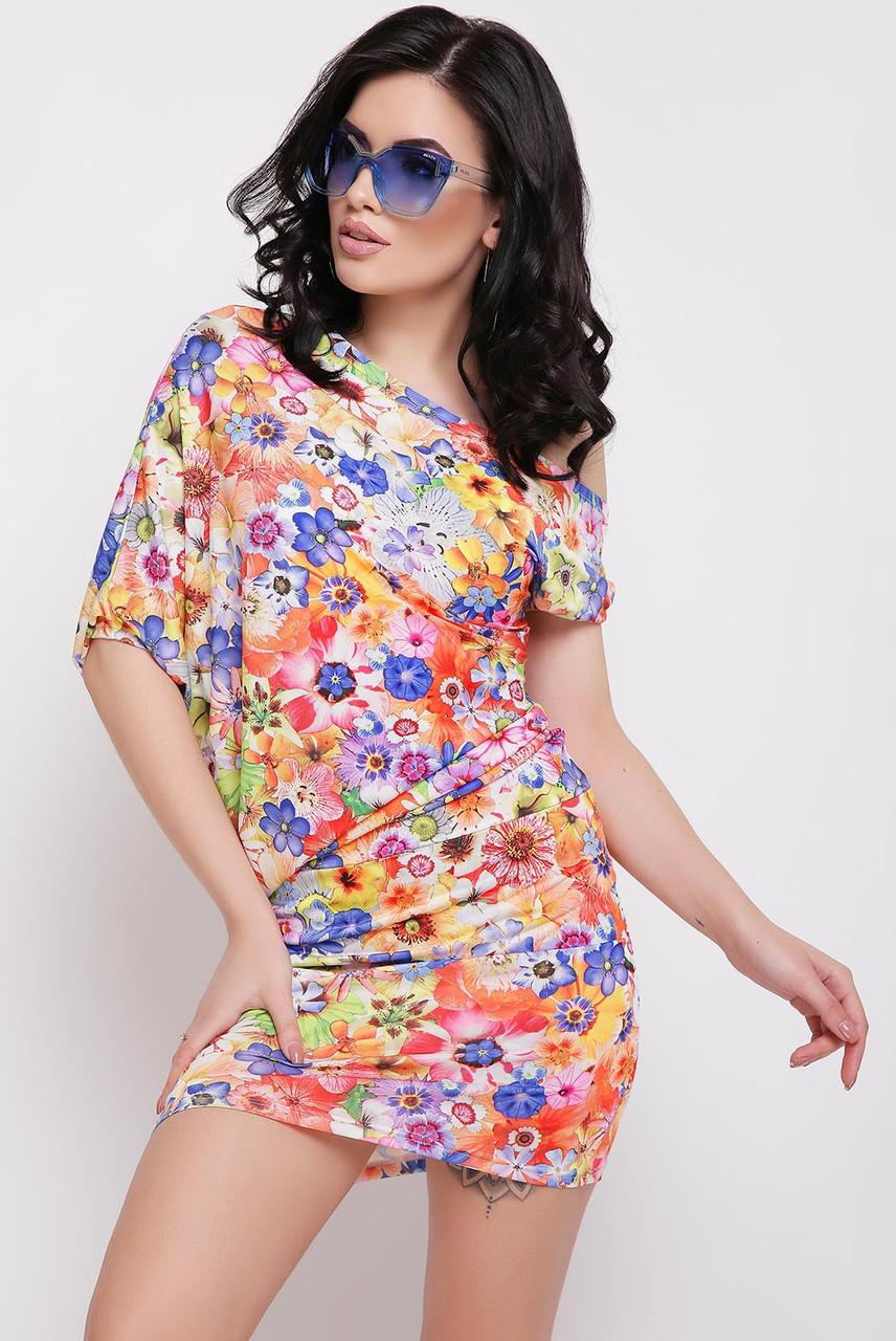 Летнее платье мини яркое спадающее с плеча облегающее оранжевое с цветочным принтом