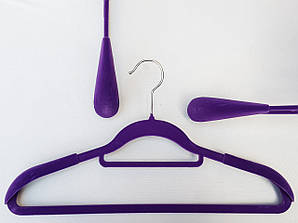 Длина 42 см. Плечики флокированные (бархатные) широкие с перекладиной, фиолетового цвета