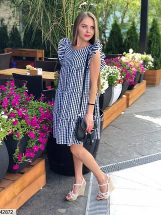 Красивое платье мини с рюшами широкое без рукав черное в клетку, фото 2