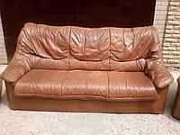 Кожаный диван коричневого цвета, фото 1