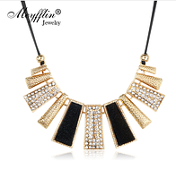Винтажное ожерелье Femme