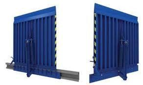 Какой выбрать откидной перегрузочный мост для складских помещений