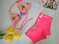 Модный купальник для девочки с принтом полоска и ярким рисунком цветы