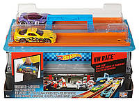Хот Вилс-Чемоданчик, Переносной игровой набор, 2 машинки (Портативный трек «Гонки»)Hot Wheels Race Case Track