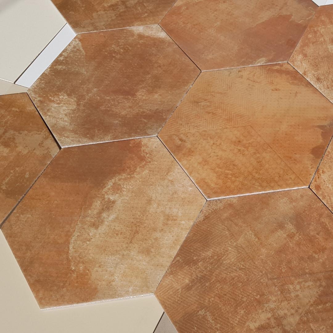 Hexagon R Zuriza Base 346x400