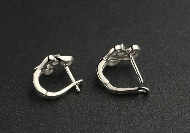 Серебряные серьги Лебедь с горным хрусталем