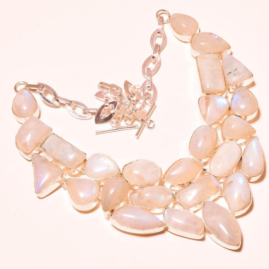 Лунный камень в серебре. Шикарное колье, ожерелье с природным лунным камнем.