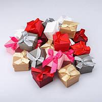 Квадратная  подарочная  коробочка для кольца