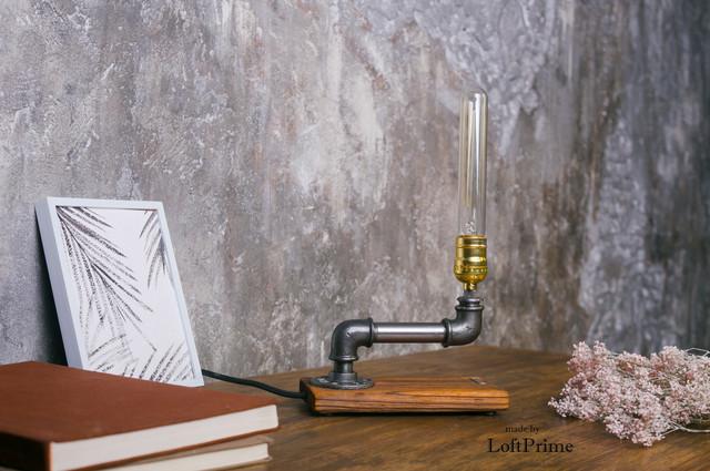 Настольная лампа лофт T_8.3