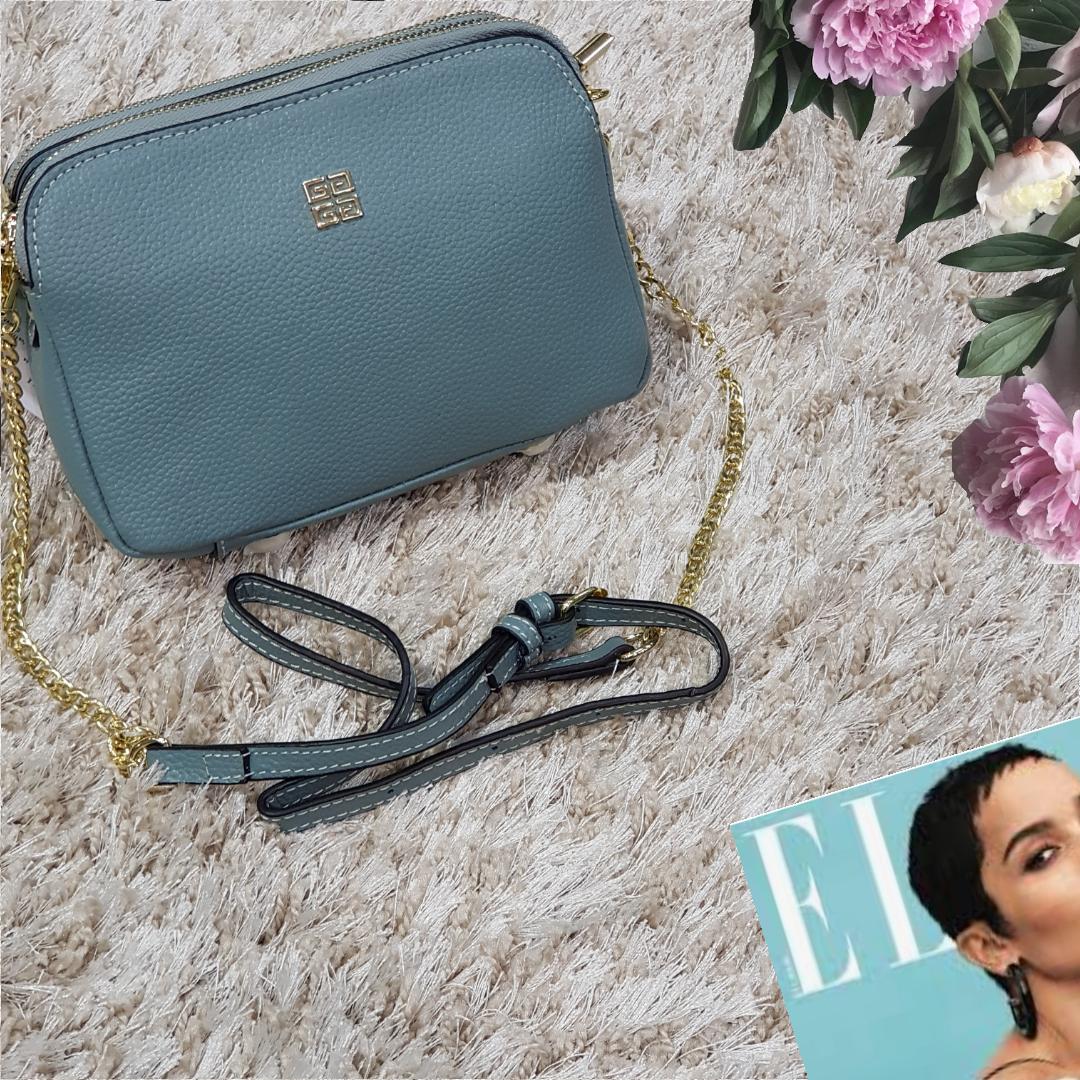 Женская маленькая сумка голубая Givenchi из натуральной кожи