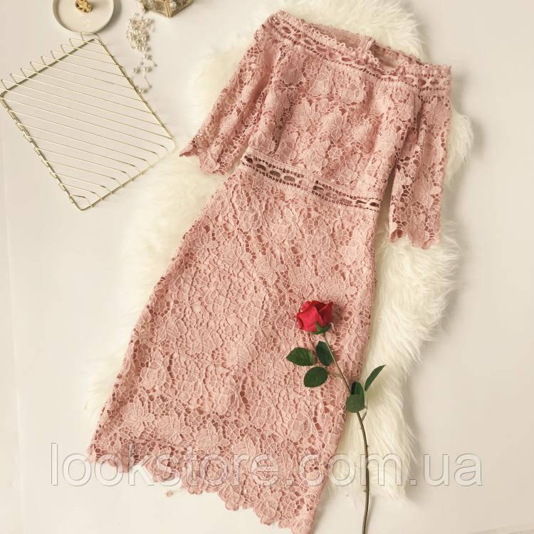 Красивое женское платье из набивного кружева розовое (пудра)