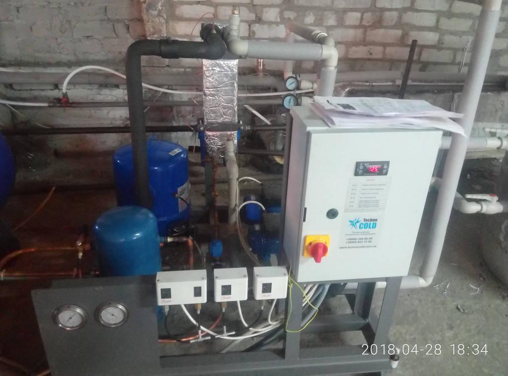 Чиллер для охлаждения воды мощностью 18 кВт.