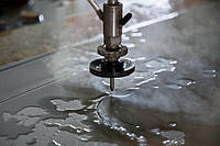 Преимущества и особенности технологии гидроабразивной резки