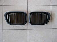 Решетка радиатора (ноздри) BMW E39 черная