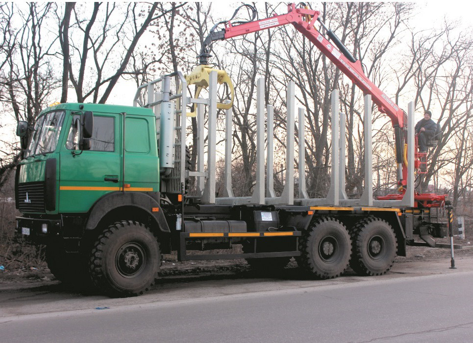 Автомобиль-сортиментовоз на базе шасси автомобиля МАЗ