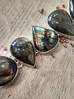Браслет из лабрадорита в виде капель оправлен в серебро