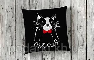 Стильная подушка Черный кот
