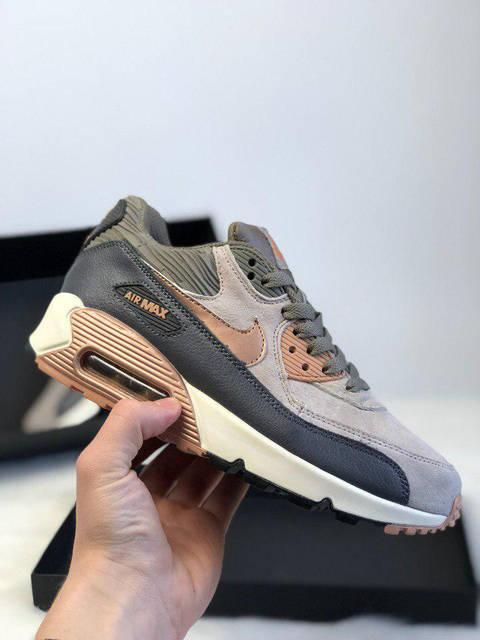 ÐенÑкие кÑоÑÑовки Nike Air Max 90