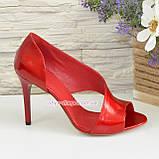 Женские лаковые босоножки на шпильке, цвет красный, фото 3